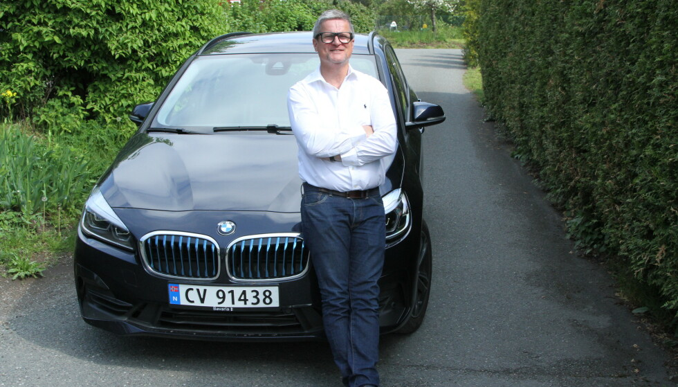 PRØVER SEG: - Vi opplever stadig at bilforhandlere og store og antatt seriøse finansierings-institusjoner, prøver å velte kostnader over på kundene, sier Ole Jørgen Berg-Nielsen i firmaet Autorelease A/S. Foto: Rune Korsvoll