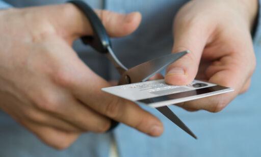 image: Holder ikke å klippe kredittkortet