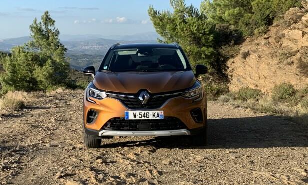 STRENGT OPPSYN: Renault har et markant designspråk som gir modellene en gjenkjennelig karakter, blant annet takket være de C-formede lyktene med en helt egen lyssignatur. Foto: Knut Moberg