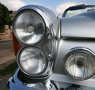 KLASSISK: På 70-tallet ble det aldri nok runde lykter på bilene. Foto: Lord Arnstein Landsem