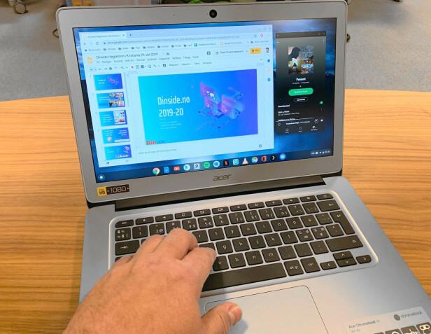 ENKEL MASKIN: Modellen jeg har brukt de siste ukene, har full HD-skjerm på 14 tommer, 4 GB RAM og 64 GB SSD. Prosessoren er en firekjernet Intel Celeron. En enkel og rimelig maskin, men ChromeOS er et lettkjørt operativsystem. Foto: Acer