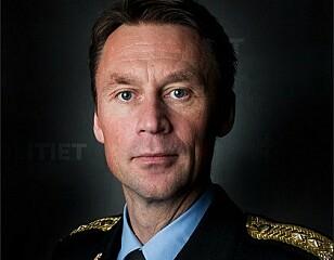 - HØYE TALL: UP-sjef Steven Hasseldal mener det er overraskende mange som har kjørt med sommerdekk på vinterføre i Norge. Foto: Politiet