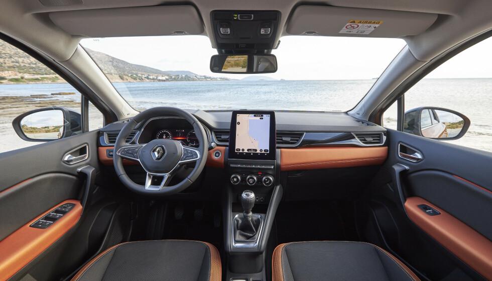 HØYVERDIG: Interiøret er, som i nye Clio, langt bedre enn det vi forbinder med småbiler. Og multimediasystemet er definitivt state of the art. Foto: Jean-Brice Lemal