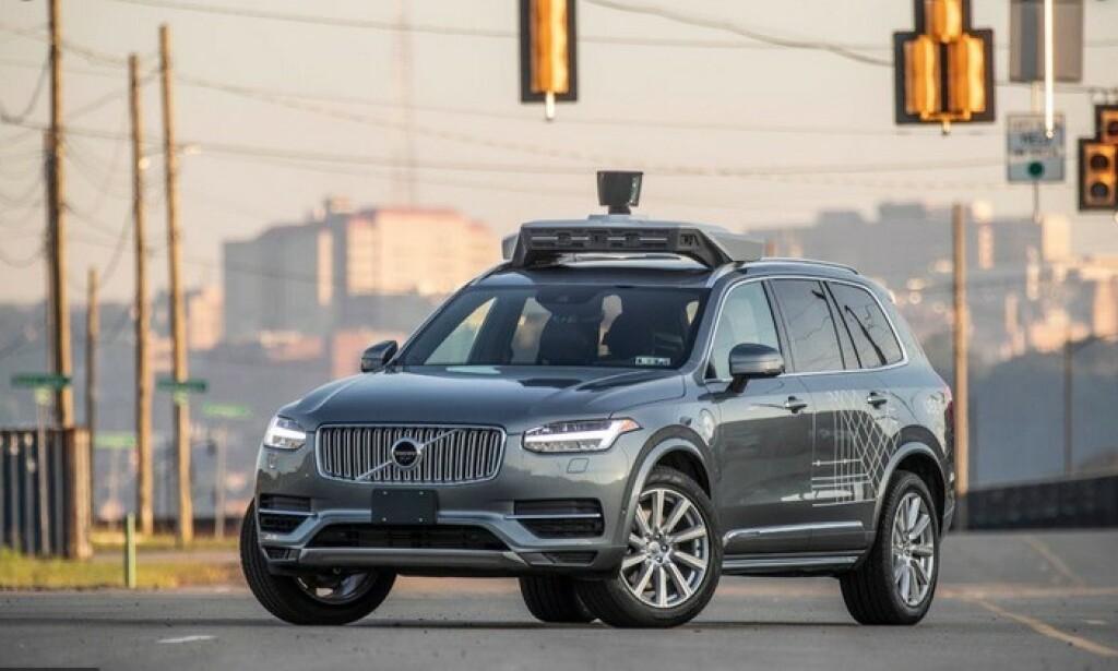 SELVKJØRENDE VOLVO: Uber har benyttet modifiserte utgaver av Volvos SUV-er i sine tester i trafikken. Det var en slik som sto bak ulykken med dødelig utgang. Foto: Uber