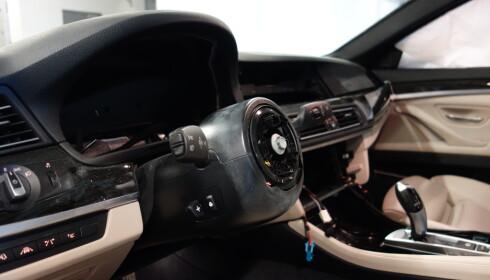 DYRE DELER: Bander har spesialisert seg på å stjele dyre GPS-anlegg og kollisjonsputer både fra biler og anleggsmaskiner. Foto: If