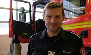 VIT HVOR DU HAR APPARATET: Branninspektør Sigurd Folgerø Dalen understreker hvor viktig det er å vite hvor du har brannslukningsapparatet. Foto: Trond Henrik Rasch