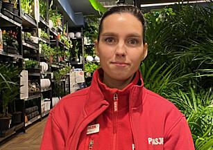 MYE ERFARING: Marita-Michelle Sparby har 11 års erfaring fra plantebransjen. Hun har gitt Dinside sine beste tips om hvordan man tar vare på planter i vintertida. Foto: Privat