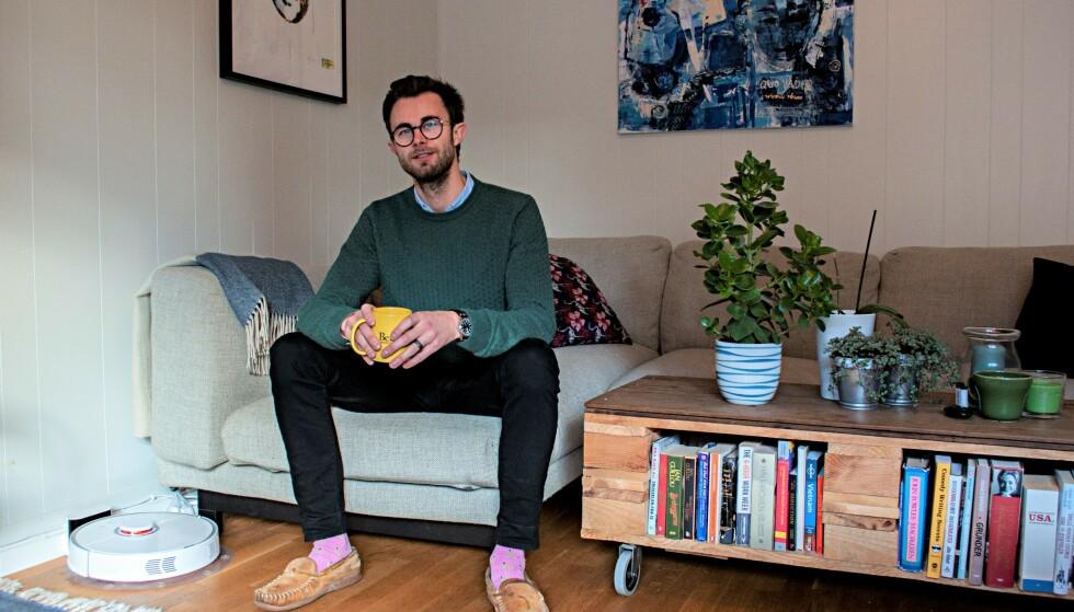 MINIMALISTISK: Jacob Mørch er selverklært minimalist – en livsstil som kort og godt handler om å leve enklere. Foto: Synne Hellevang