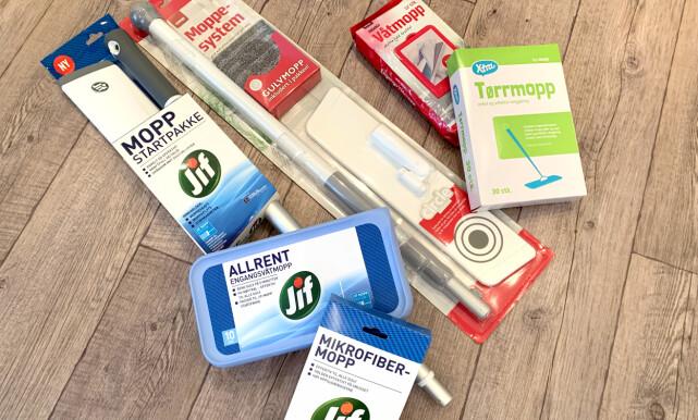 DETTE HAR VI TESTET: Startpakkene er ulike med at det er inkludert mikrofibermopp i Coops pakke mens det kun er to engangs støvmopper i Jif-pakken. I tillegg til mikrofibermopp og engangs tørrmopp har vi også vurdert engangsvåtmoppene. Foto: Kristin Sørdal