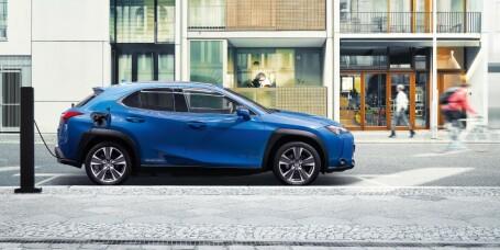 Vil du ha Toyota-elbil, oppgrader til Lexus