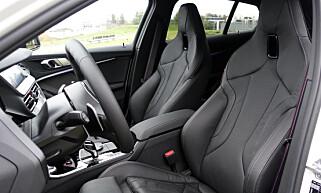 MYE JUSTERING: BMW har alltid hatt store justeringsmuligheter. Undertegnede liker å sitte lavt, og det kan man her. Foto: Rune M. Nesheim