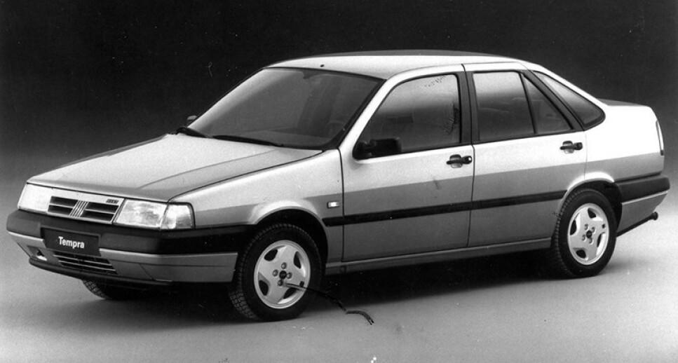 UKJENT KLASSIKER: Fiat Tempra fyller 30 år i 2020. Det fleste har rustet i hjel, men klarer du å finne en som kan reddes, kan du sikre deg en retalivt ukjent italiensk klassiker for lite penger. Foto: Geir Hovensjø