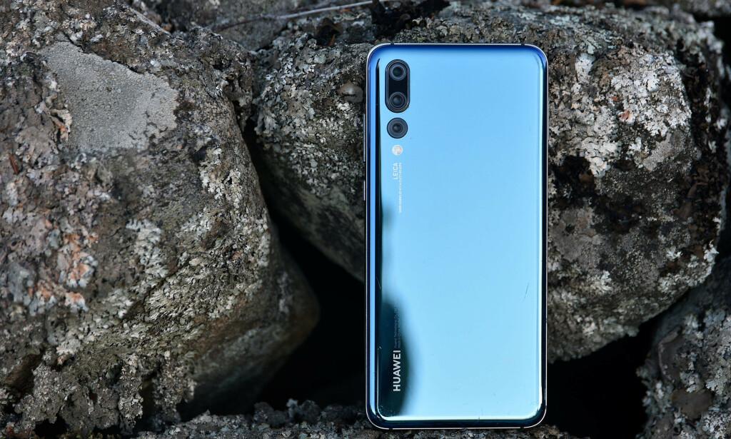 ALDRI VÆRT BILLIGERE: I dag, på cyber monday, får du Huawei P20 Pro til 3333 kroner. Foto: Pål Joakim Pollen