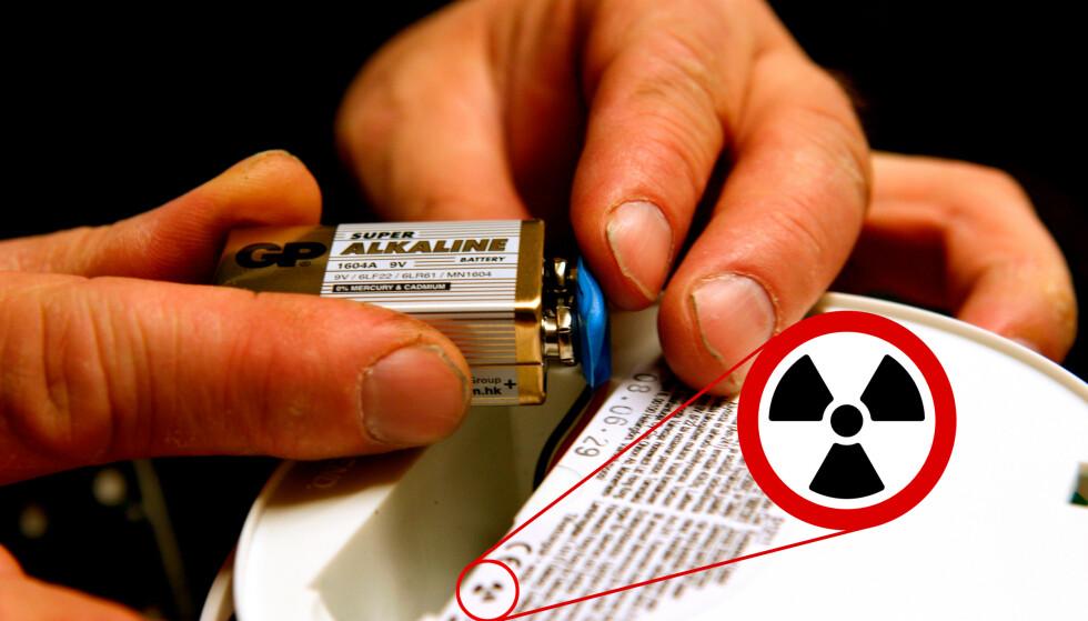 BØR BYTTES: Ioniske røykvarslere er merket med radioaktiv-symbolet på baksiden og reagerer tregere på ulmebrann enn de optiske. Foto: Knut Falch / NTB Scanpix / Pål Joakim Pollen