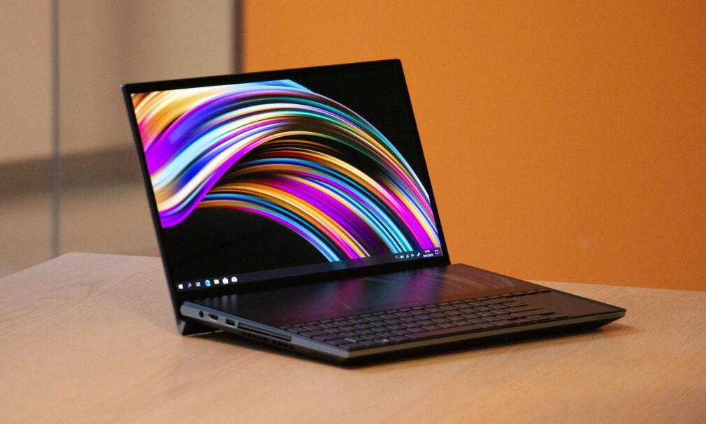 ASUS ZENBOOK PRO DUO: Dette er en av årets råeste PC-ene, men vi falt ikke helt pladask. Foto: Martin Kynningsrud Størbu