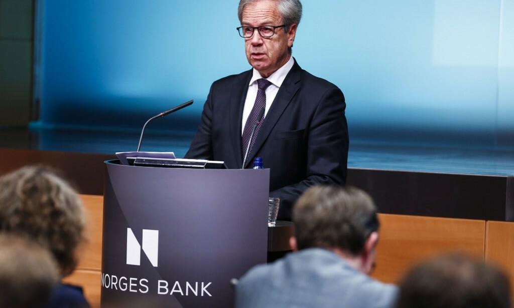 INGEN RENTEHEVINGER: Det er svært lite som tyder på at vi vil oppleve mange rentehevinger i årene som kommer. På bildet ser du sentralbanksjef Øystein Olsen, under ett av Norges Banks rentemøter. Foto: NTB/Scanpix