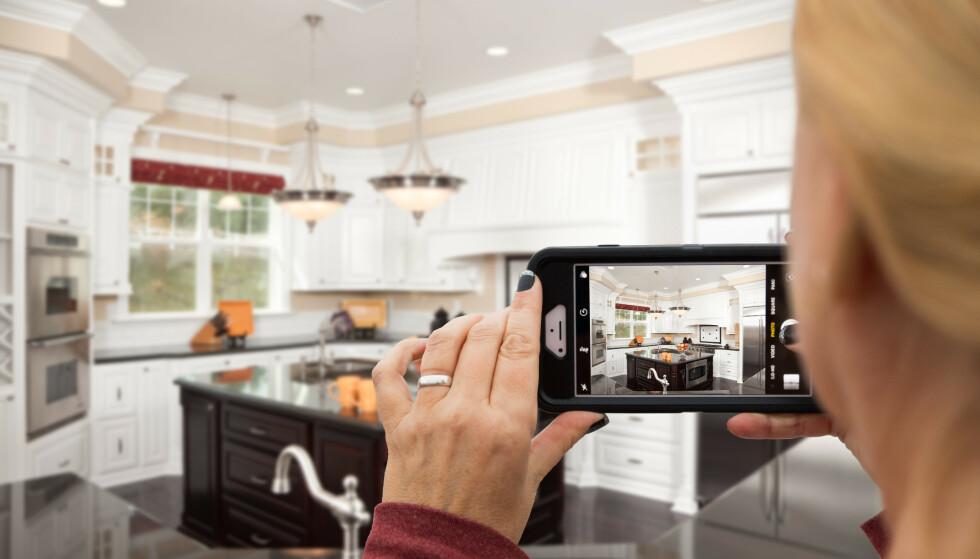 <strong>ÅPNE ALLE SKUFFER OG SKAP:</strong> Kjøkkenet er et rom som er fullt av ting du både trenger og ikke, og det er vanskelig å ha fullstendig oversikt. Foto: Shutterstock/NTB Scanpix.