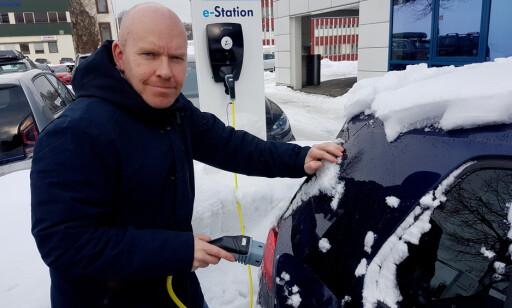 GODE TIPS: – Med litt erfaring og noen enkle triks, er det ikke noe problem å få bra rekkevidde på elbilen også når vinteren setter inn, sier Ståle Frydenlund. Foto: Petter Haugneland, elbil.no