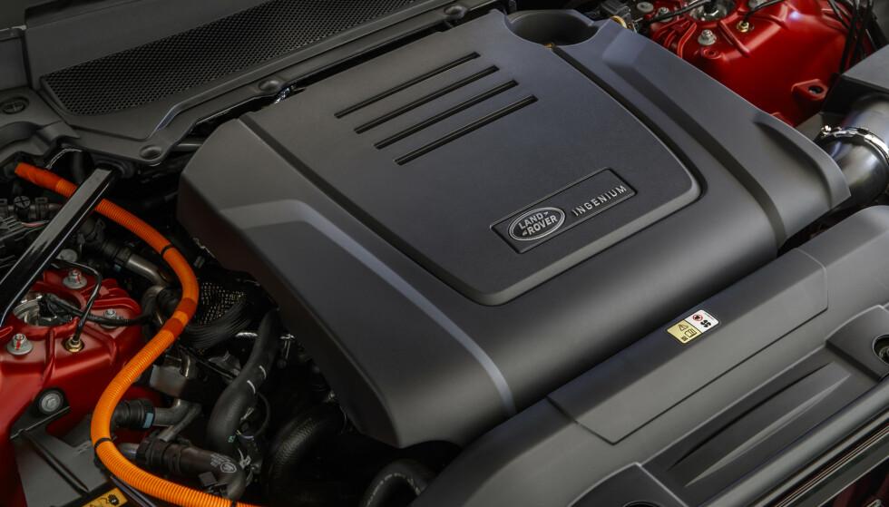 INGENIUM: Det er ikke mange årene siden Jaguar Land Rover kom med en ny serie motorer. Den firesylindrede toliteren er tilgjengelig i flere effektstørrelser i nesten i samtlige modeller. Nå er den også koblet til den hybride drivlinjen, med samme effekt som innstegsmodellen av F-Type. Foto: Range Rover.