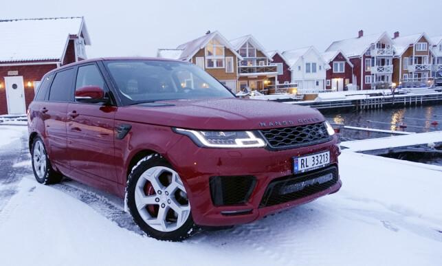 LUKSUSLOOK: Range Rover har sin helt egen look og den har bare blitt mer eksklusiv, men den kler større hjul, selv om HSE har 21-tommere. Foto: Rune M. Nesheim.