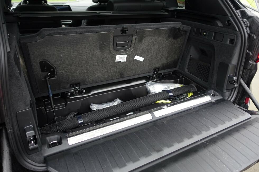 TRANGT: Under gulvet er det ikke plass til bagasje. Foto: Rune M. Nesheim