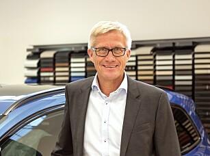 FORNØYD: - Med en så stor omlegging av avgiftssystemet er det ikke til å unngå at det vil slå litt ulikt ut, sier Erik Andresen, direktør i Bilimportørenes Landsforening. Foto: BIL