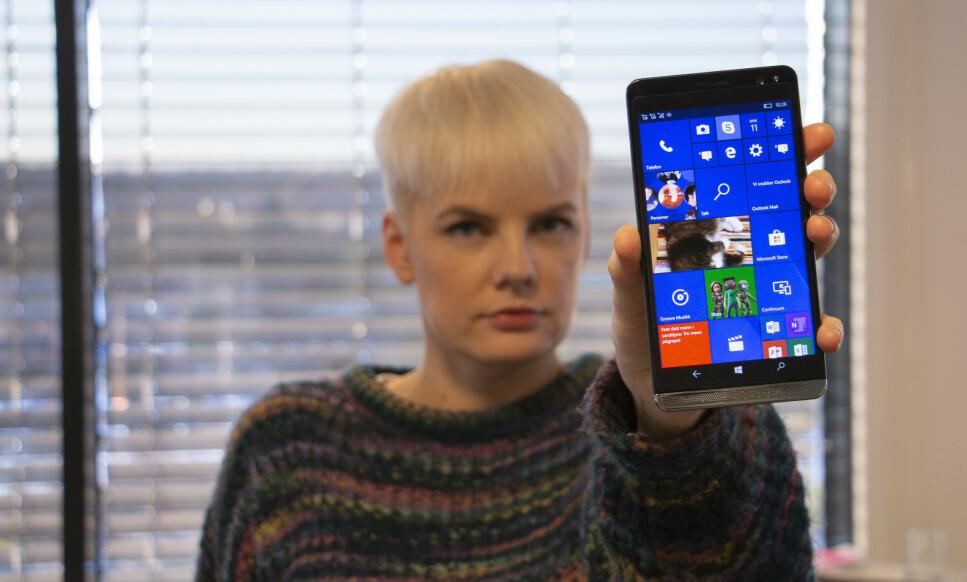 SLUTT PÅ OPPDATERINGER: Microsoft avslutter støtten for Windows 10 Mobile. Foto: Martin Kynningsrud Størbu