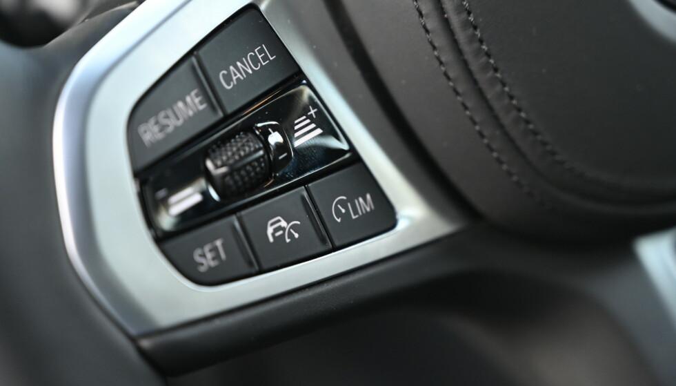 VELDIG BRA: Vår bil er ikke topputstyrt, men har adaptiv fartholder som aldri feilet, selv om det var ruskete i store deler av testperioden. Foto: Rune M. Nesheim