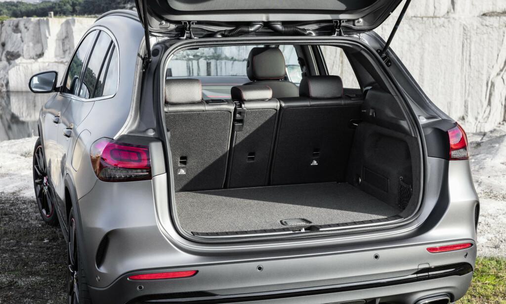 FAMILIEBIL: Skyvbart baksete og tredelt rygg, gjør dette til en av de mer fleksible SUV-ene på markedet. Foto: Mercedes
