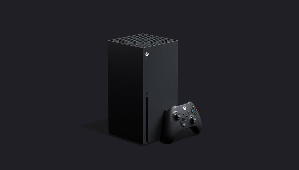XBOX SERIES X. Her er den nye spillkonsollen til Microsoft som lanseres før jul 2020. Den kan plasseres både liggende og stående. Foto: Microsoft