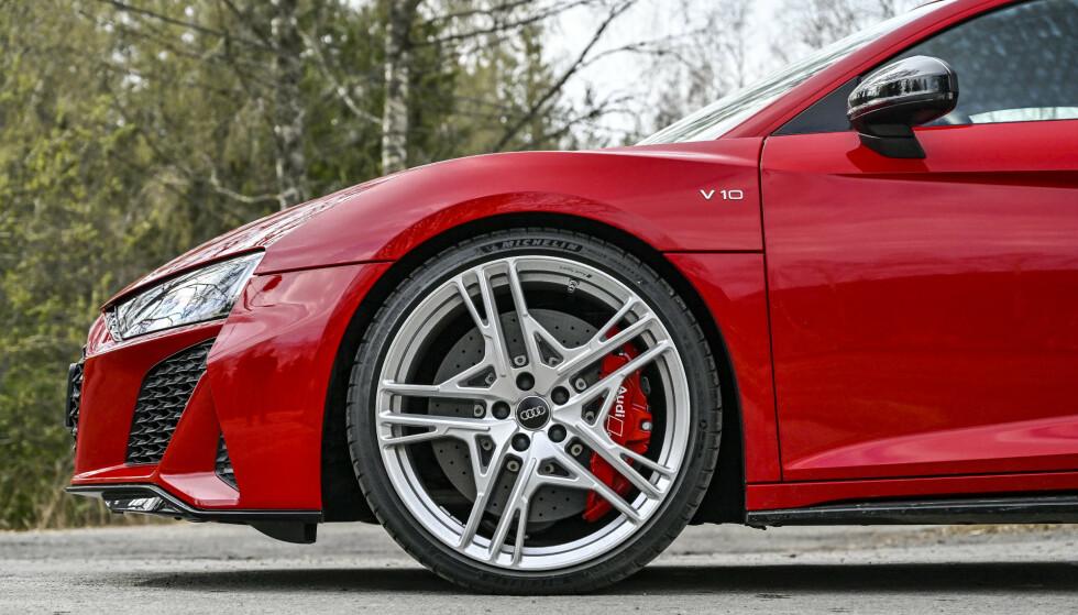 KRAFTIG PRISKUTT: Audi R8 V10 blir hele 134.000 kroner rimeligere over nyttår. Foto: Jamieson Pothecary
