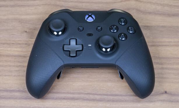 XBOX ONE ELITE CONTROLLER SERIES 2: Dette er den nye Xbox-kontrolleren for proffene. Foto: Martin Kynningsrud Størbu