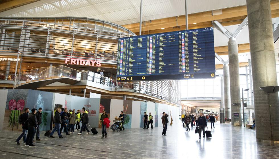 TRAVLEST PÅ FREDAG: Fredag 20. desember blir julas travleste dag på Oslo Lufthavn. Foto: NTB scanpix