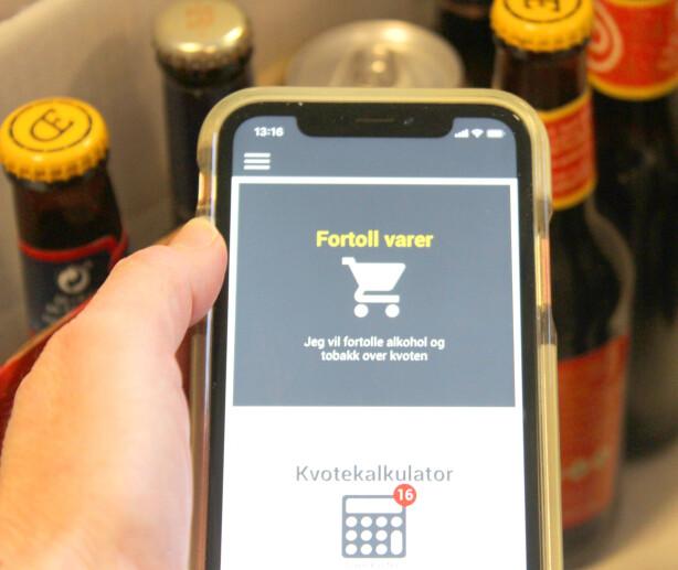 SJEKKE KVOTEN OG FORTOLLE: Appen har en egen kvotekalkulator som gjør det enkelt å se hvor mye du kan ha med avgiftsfritt og hva det koster når du passerer denne grensen. Foto: Kristin Sørdal