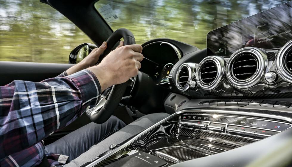 HVILKEN SKAL VI VELGE? Spørsmålet vi i redaksjonen får oftest: Hvilken er den beste bilen du har kjørt? Svaret var ikke så enkelt som vi trodde ... Foto: Jamieson Pothecary