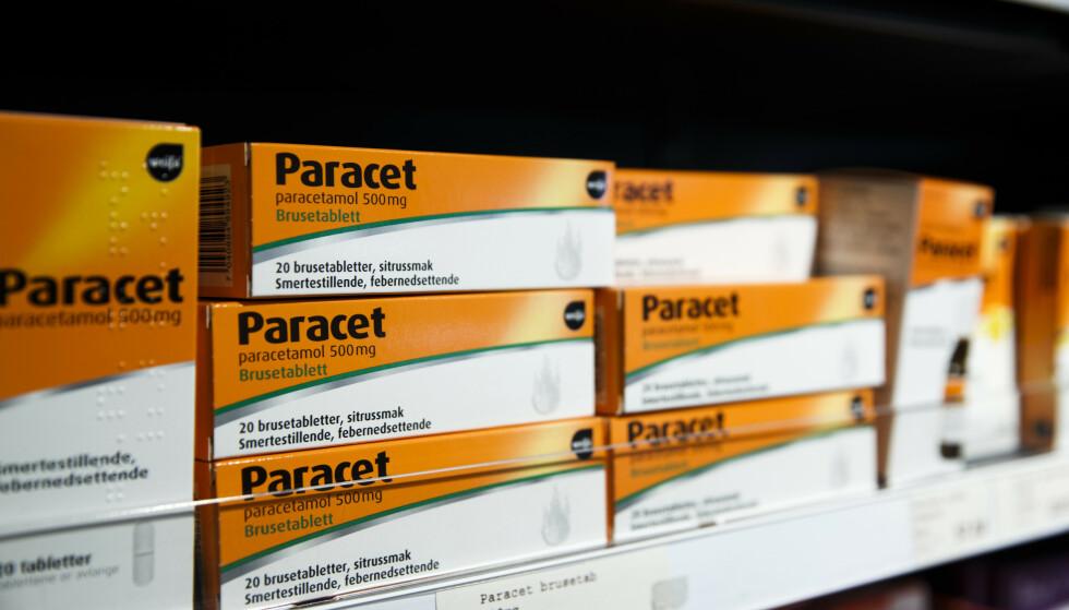 PARACETMANGEL: Akkurat nå er det mangel på Paracet i flytende form. Apotekerforeningen anbefaler bruk av alternativer, som for eksempel brusetabletter. Foto: NTB Scanpix