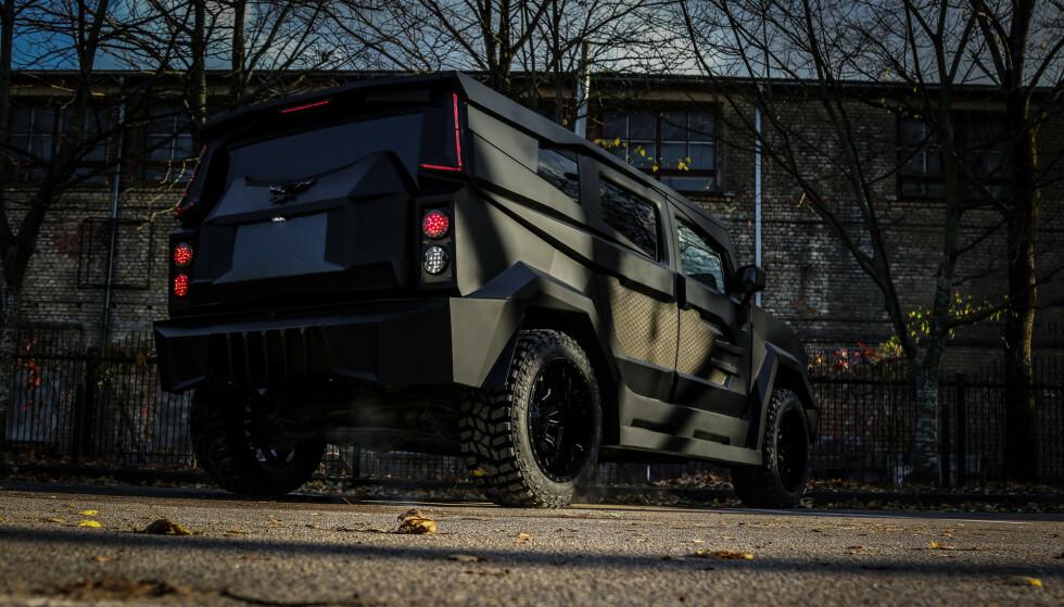 TIL LERRETET: Akkurat dette uhyret av en bil er laget for filmen. Hvilken film, vet vi ikke ennå. Foto: Dartz Grupa
