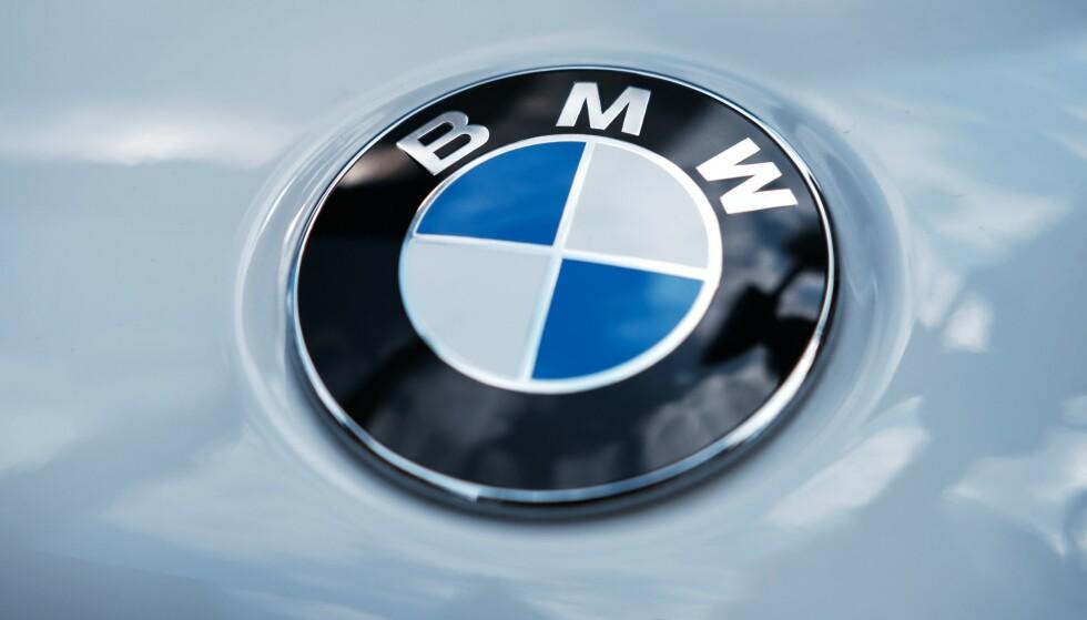 TILBAKEKALLER TUSENER: BMW utvider en tilbakekalling fra 2018, og ny runde omfatter over 5.000 norske biler. En lekkasje av kjølevæske kan føre til antennelige ansamlinger i kombinasjon med sot og avleiringer - og som unntaksvis kan resultere i røykutvikling og mulig antenning. Foto: BMW
