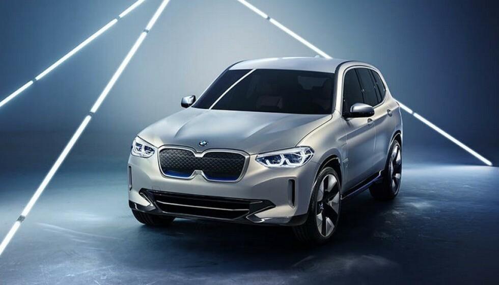 BAKHJULSTREKK: Elektriske BMW iX3 får i første omgang bare bakhjulsdrift. Foto: BMW