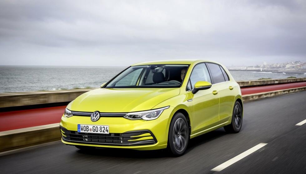 VW GOLF 8: Volkswagen har fått problemer med sikkerhetsutstyret og har stoppet utleveringen av siste generasjon Golf, samt biler fra søstermerkene Skoda (Octavia), Audi (A3) og Seat (Leon). Foto: VW