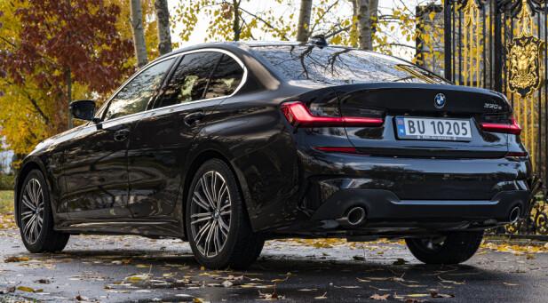 EN ULEMPE: Nordmenn liker egentlig ikke sedan, men andelen sedaner vokste kraftig hos BMW da 3- og 5-serien kom som ladbar spreking. Nå kommer den snart som stasjonsvogn også. Foto: Jamieson Pothecary.