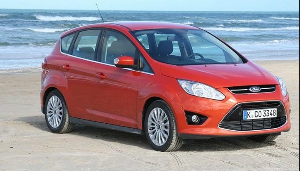 PRAKTISK: Ford C-max var en praktisk flerbruksbil, men nå vil familiene ha SUV: Foto: Rune Korsvoll