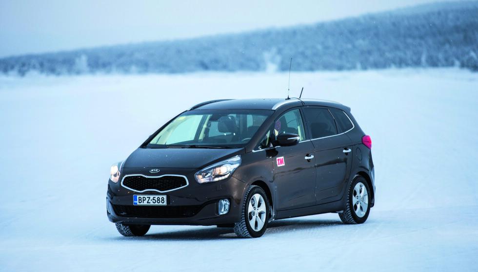 KUNDENE SVIKTET: Kundene vil ha SUV, ikke en flerbruksbil som Carens. Foto: Markus Pentikainen