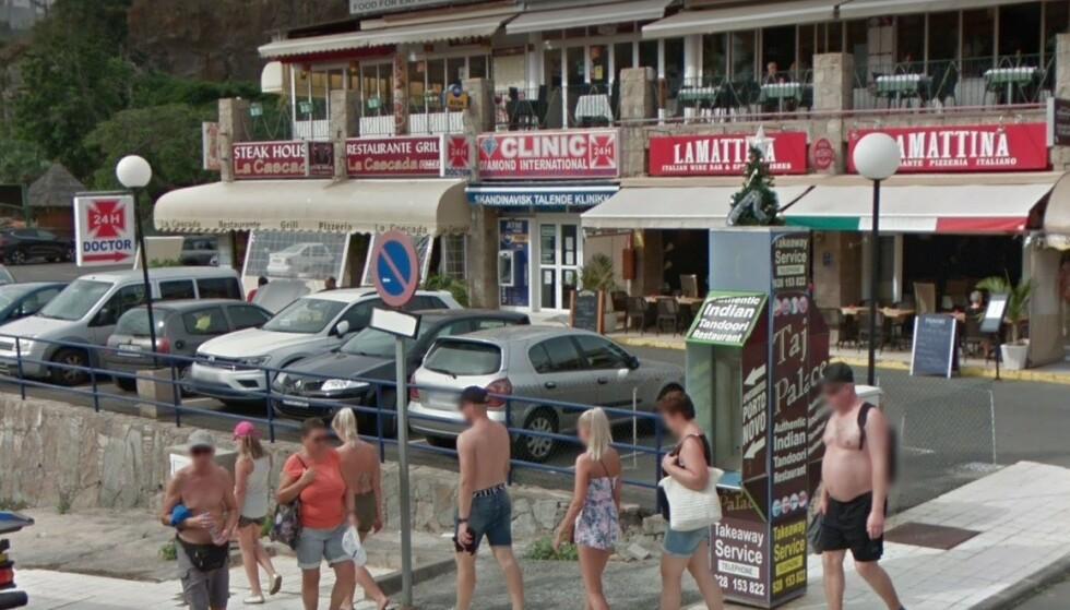 LIGGER LAGLIG TIL: Clinic Diamond International ligger klemt mellom restaurantene i populære Puerto Rico på Gran Canaria. Skjermdump: Google Maps.