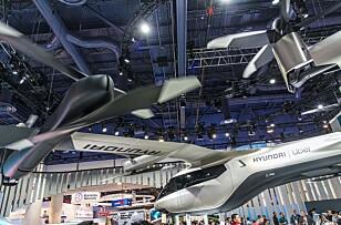 DRONETAXI: Uber og Hyundai har samarbeidet om å utvikle en elektrisk flyvende Uber-drosje som etter hvert blir autonome. Foto: Jamieson Pothecary