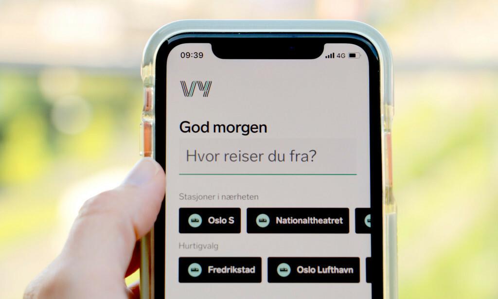 IKKE OPPDATERT: Mange kunder opplevde under torsdagens togkaos at appen til Vy ikke ble oppdatert godt nok. Foto: Kristin Sørdal