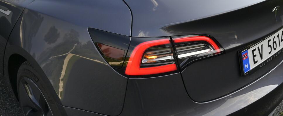 UTILSIKTET AKSELERASJON: Det har angivelig vært flere tilfeller av at Tesla-er plutselig akselererer og skaper farlige tilfeller. For ordens skyld, det kommer inn klager på andre bilmerker av samme grunn. Foto: Rune M. Nesheim