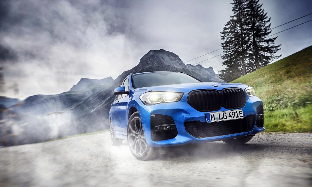BILLIGST: BMW X1 xDrive25e blir BMWs hittil rimeligste SUV med trekk på alle fire hjulene. Foto: BMW