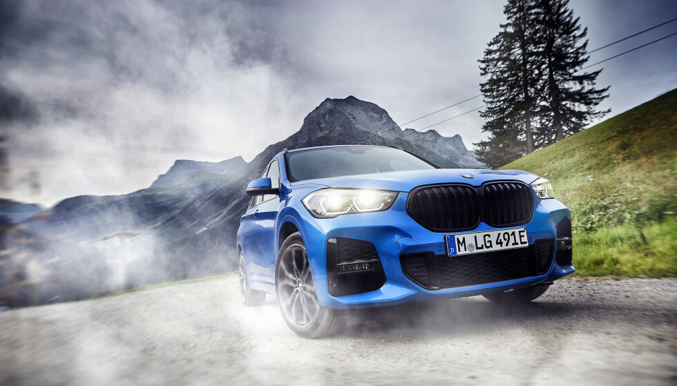 <strong>BILLIGST:</strong> BMW X1 xDrive25e blir BMWs hittil rimeligste SUV med trekk på alle fire hjulene. Foto: BMW