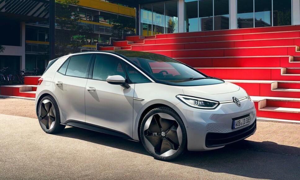 KAN IKKE BÆRE TAKLAST: Den norske importøren spår at elbilen ID.3 kommer til å bli en storselger i løpet av 2020. Den kan imidlertid ikke bære takstativ eller skiboks. Foto: Volkswagen